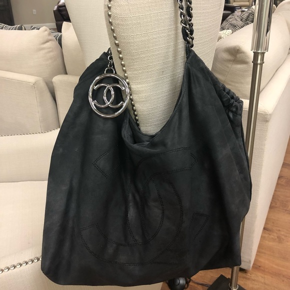 e08b87f8e4d717 CHANEL Handbags - CHANEL black canvas Coco Cabas XL Tote Bag